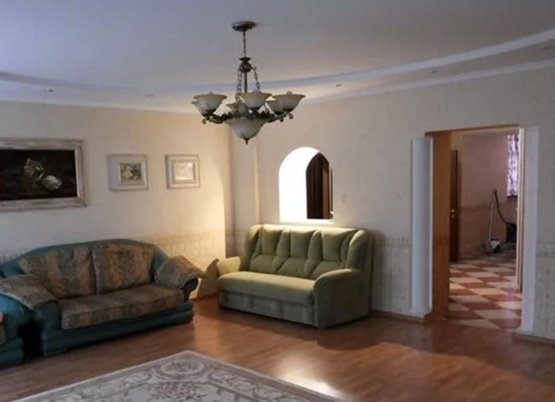 4 комнатная квартира в кирпичном доме на Фонтане