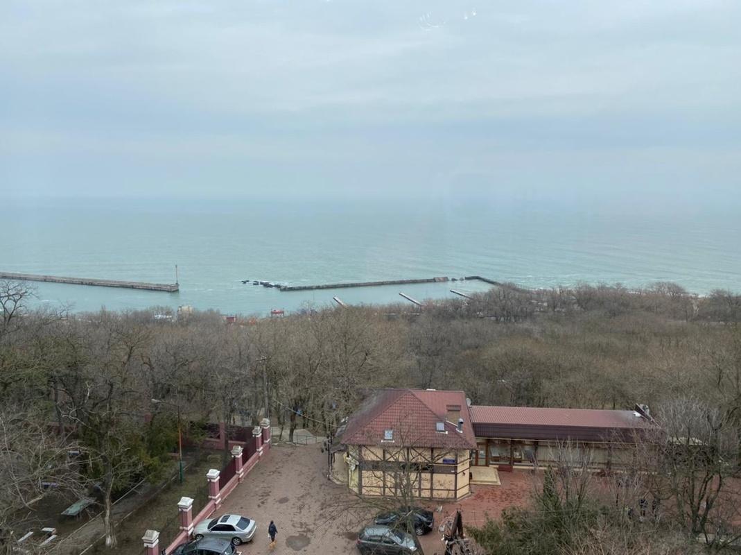 3-комнатная квартира в Каркашадзе с прямым видом на море