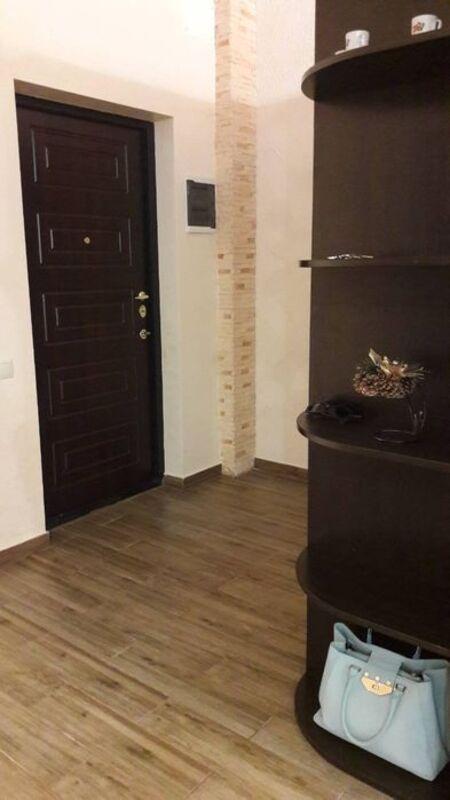 1 комнатная квартира с ремонтом в 5 Жемчужине