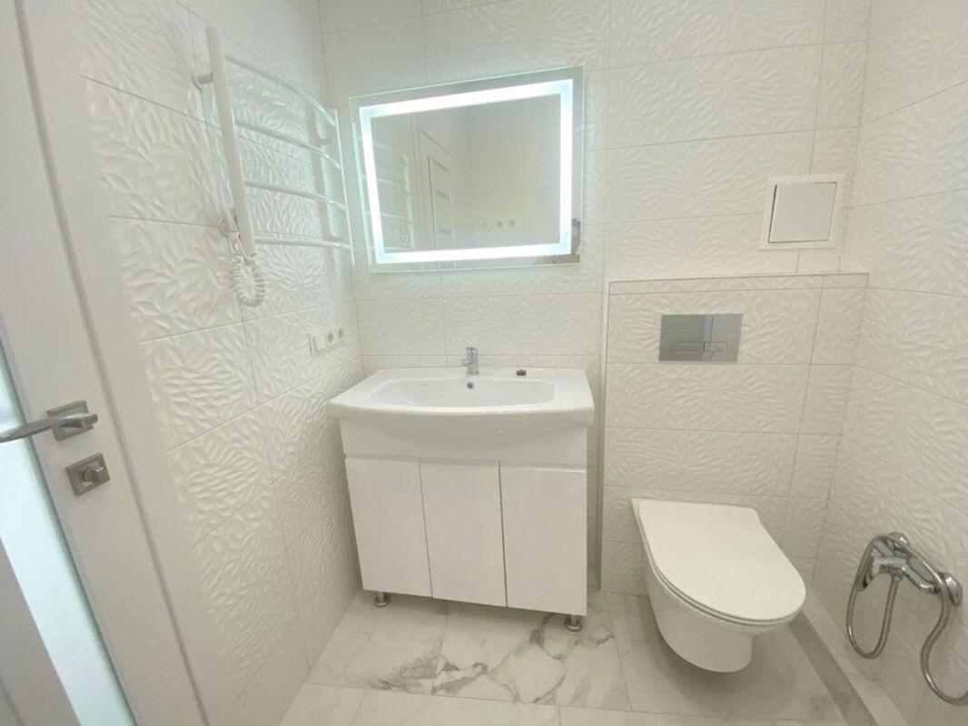 1-комнатная с красивым ремонтом в 48 Жемчужине