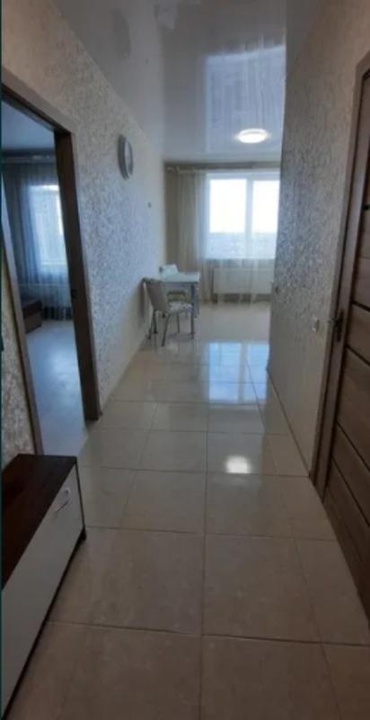 1 комнатная квартира с ремонтом в 49 Жемчужине