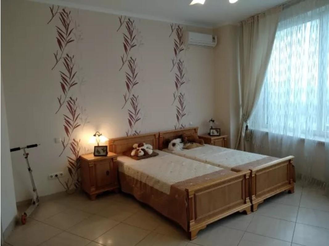 3 комнатная квартира в Белом Парусе с видом на море