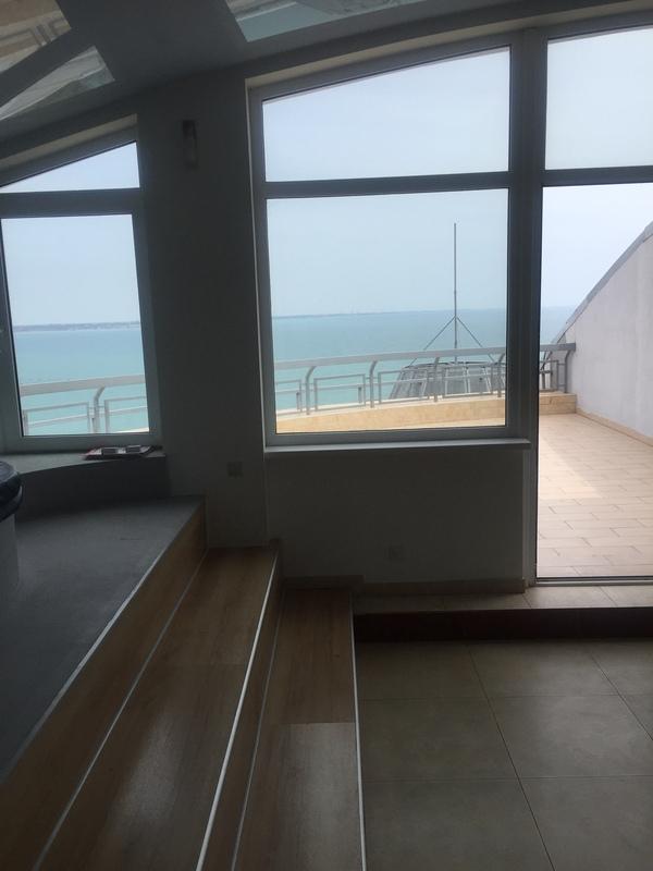 Двухуровневый пентхаус в ЖК Мерседес, панорама моря, терраса .