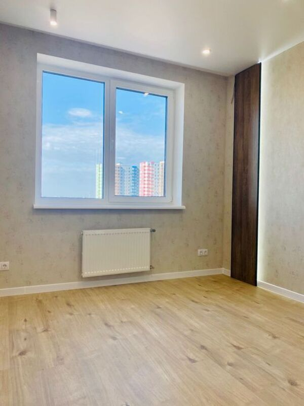 1 комнатная квартира с ремонтом в 56 Жемчужине