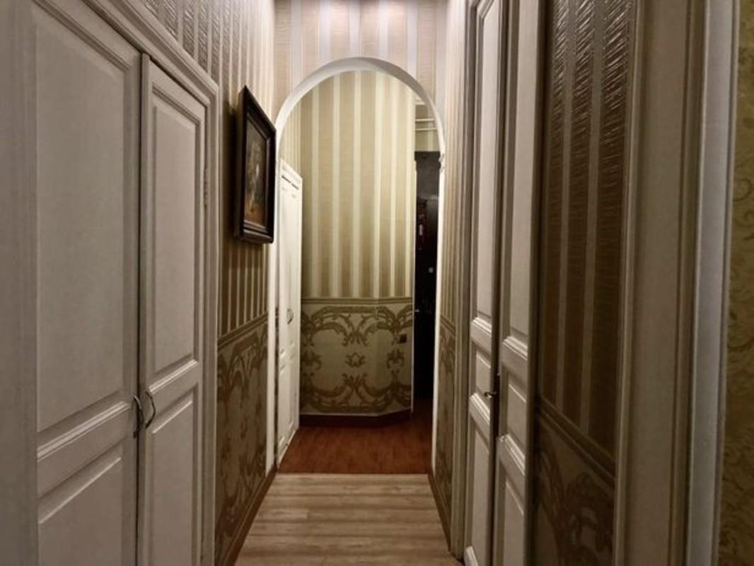 3 комнатная квартира в центре на Новосельского