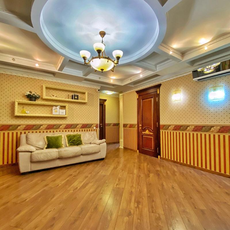 3-комнатная квартира с ремонтом в Стиконе на Глушко