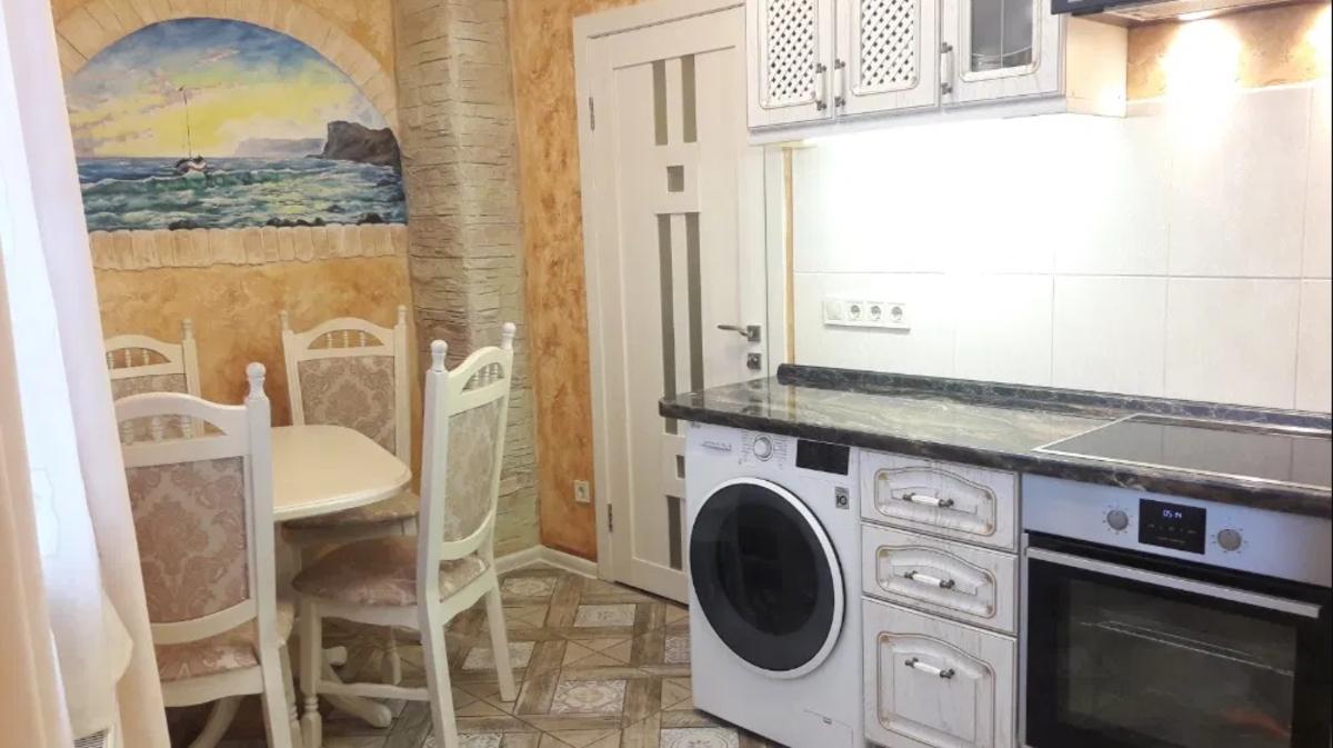 1 комнатная квартира в центре на Разумовского