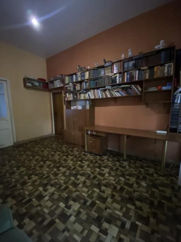 4-комнатная квартира на Колонтаевской