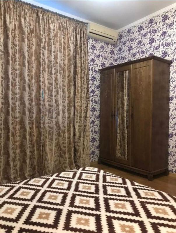 2 комнатная квартира в центе на Садовой