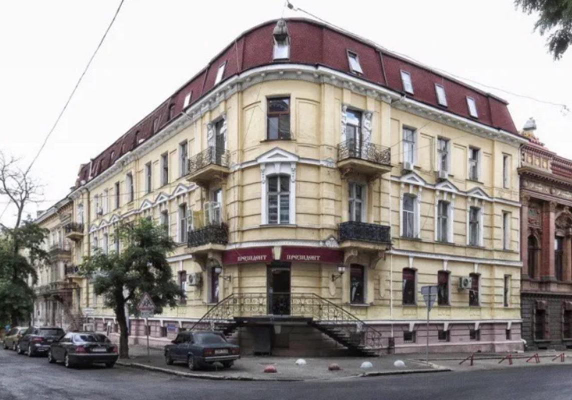 6-комнатная квартира в центре Одессы