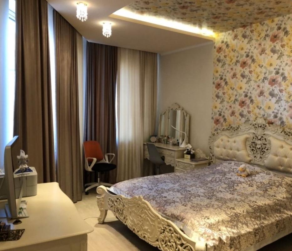 3 комнатная квартира с видом моря на проспекте Шевченко