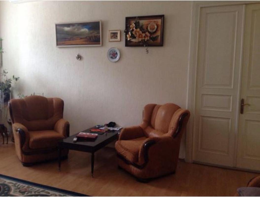 3 комнатная квартира в центре на Дерибасовской