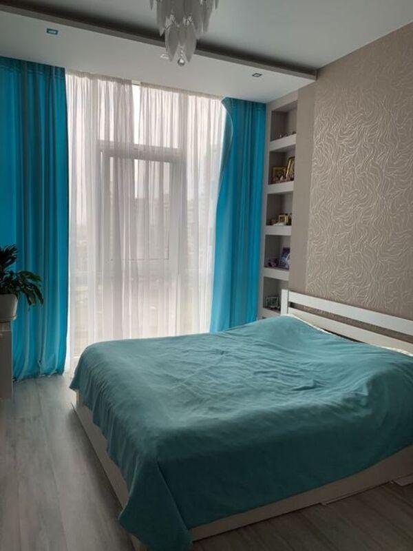 2-комнатная квартира в 5 Жемчужине с ремонтом.