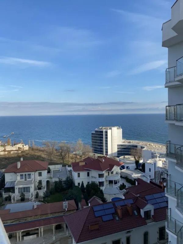 Большая квартира с терассой и видом на море в ЖК Санторини