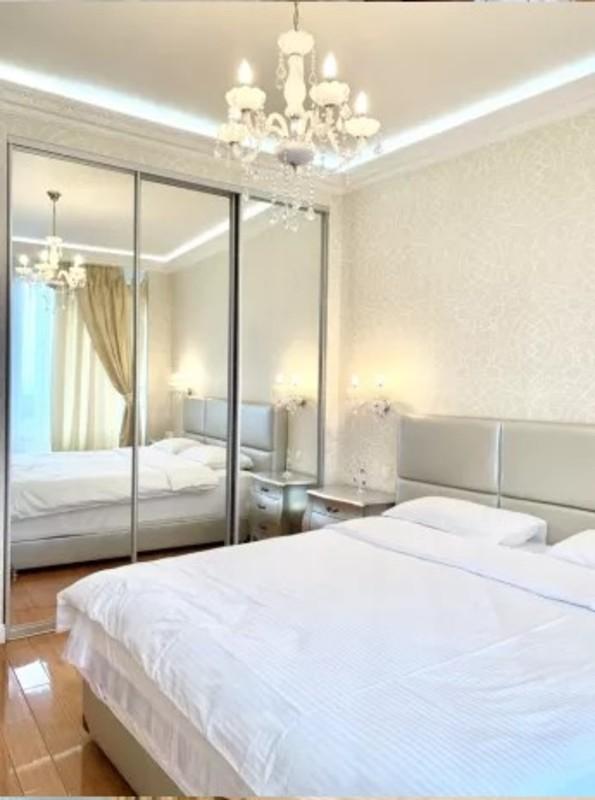 2 комнатная квартира в ЖК Белый Парус на Литературной