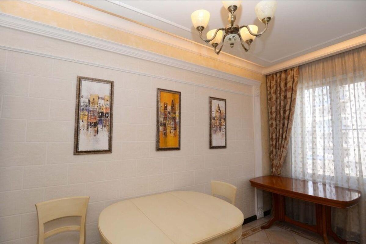 4 комнатная квартира в Мукачевском переулке/Французский бульвар