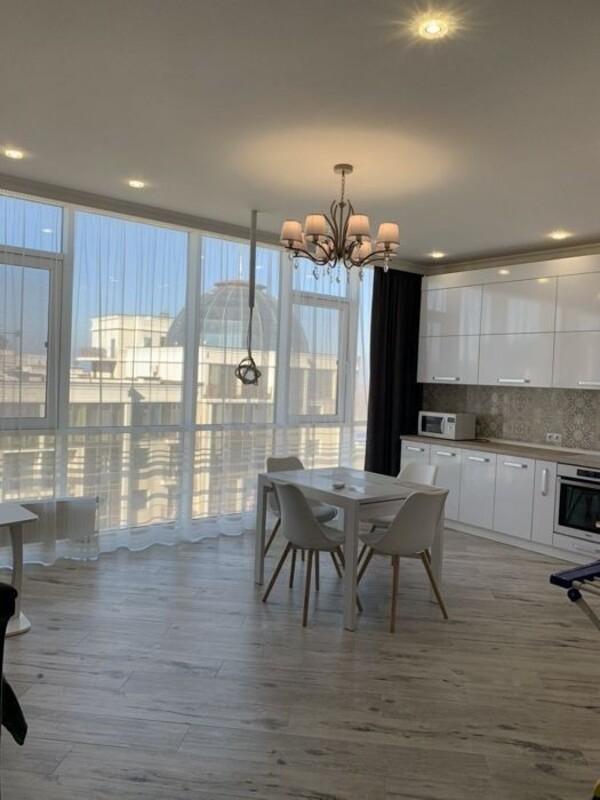 2 комнатная квартира с ремонтом в 40 Жемчужине