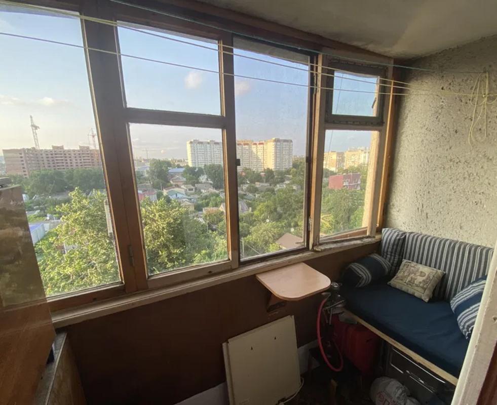 Четырехкомнатная квартира на улице Бреуса Малиновский район