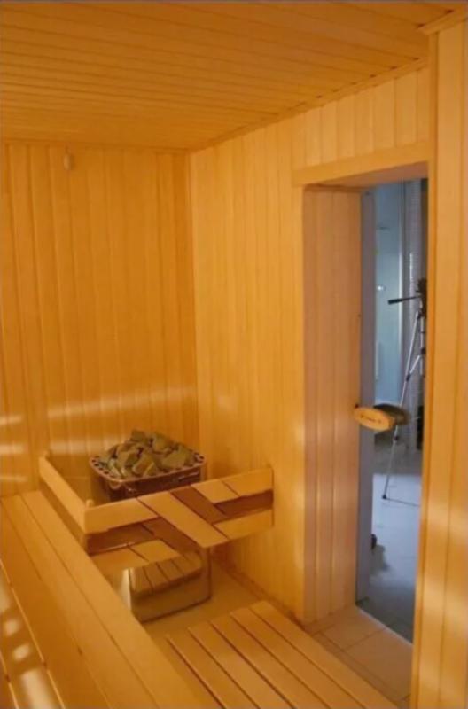 4 комнатная квартира по улице Черноморской/ парк Шевченко