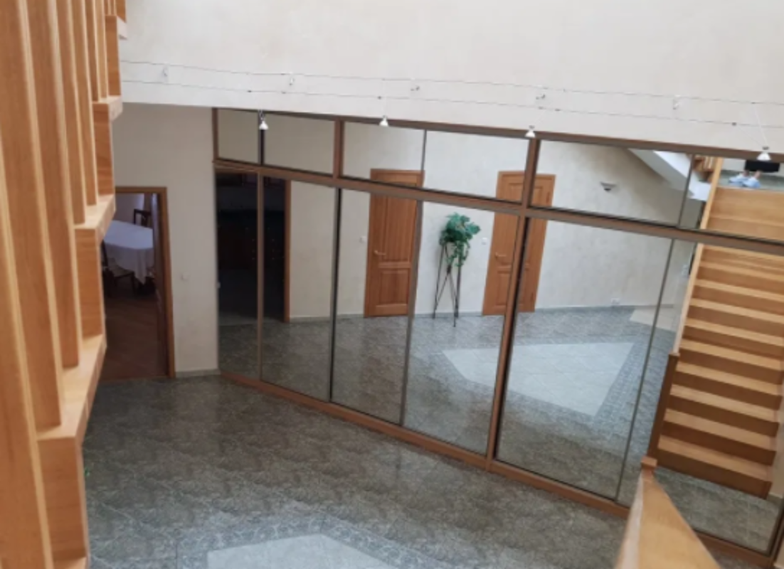 6 комнатная квартира на Екатерининской площади