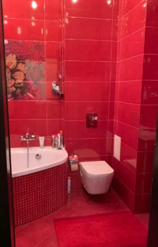 4 комнатная квартира с ремонтом в ЖК Руслан и Людмила
