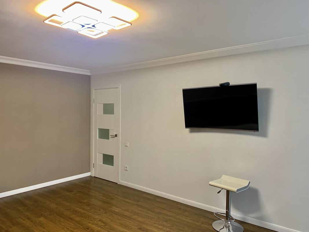 2 комнатная квартира с ремонтом на Фонтане