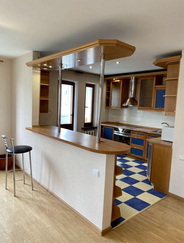 3-комнатная квартира в Киевском районе