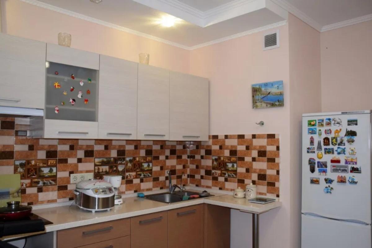 1 комнатная квартира с ремонтом ЖК Альтаир-1