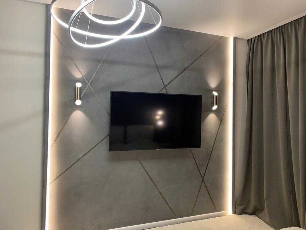 2-комнатная квартира с дизайнерским ремонтом в Аркадии.