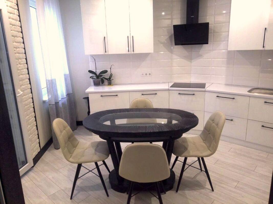 1-комнатная квартира с авторским качественным ремонтом в ЖМ Радужном