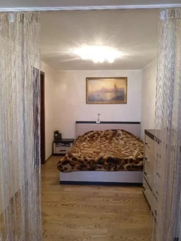 4-комнатная двухуровневая квартира на Тополевой