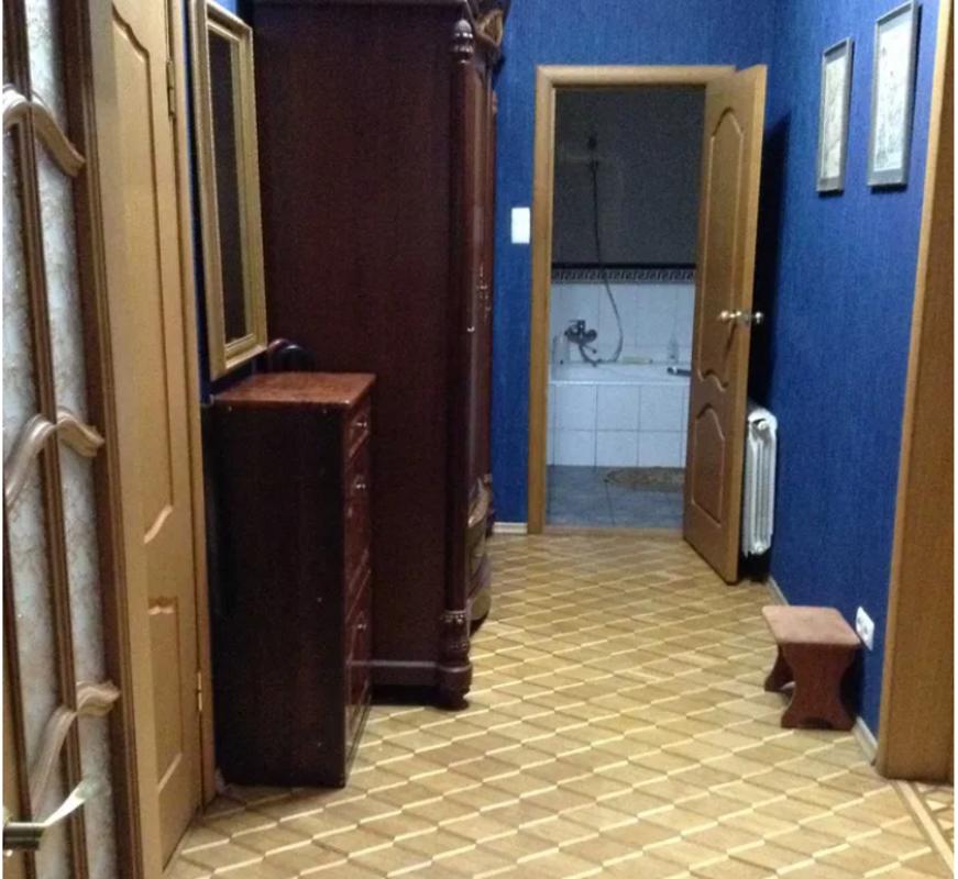 Четырехкомнатная квартира в самом центре Одессы на улице Успенская.