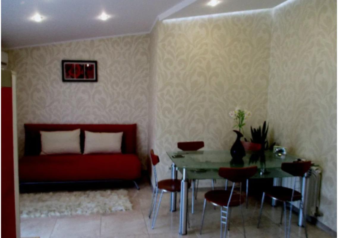 2 комнатная квартира с ремонтом на Даче Ковалевского