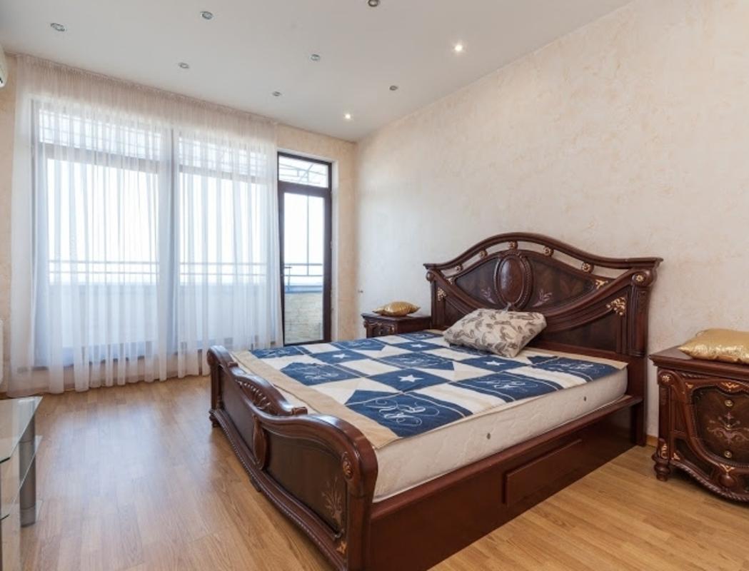 3 комнатная квартира-пентхаус с видом на море