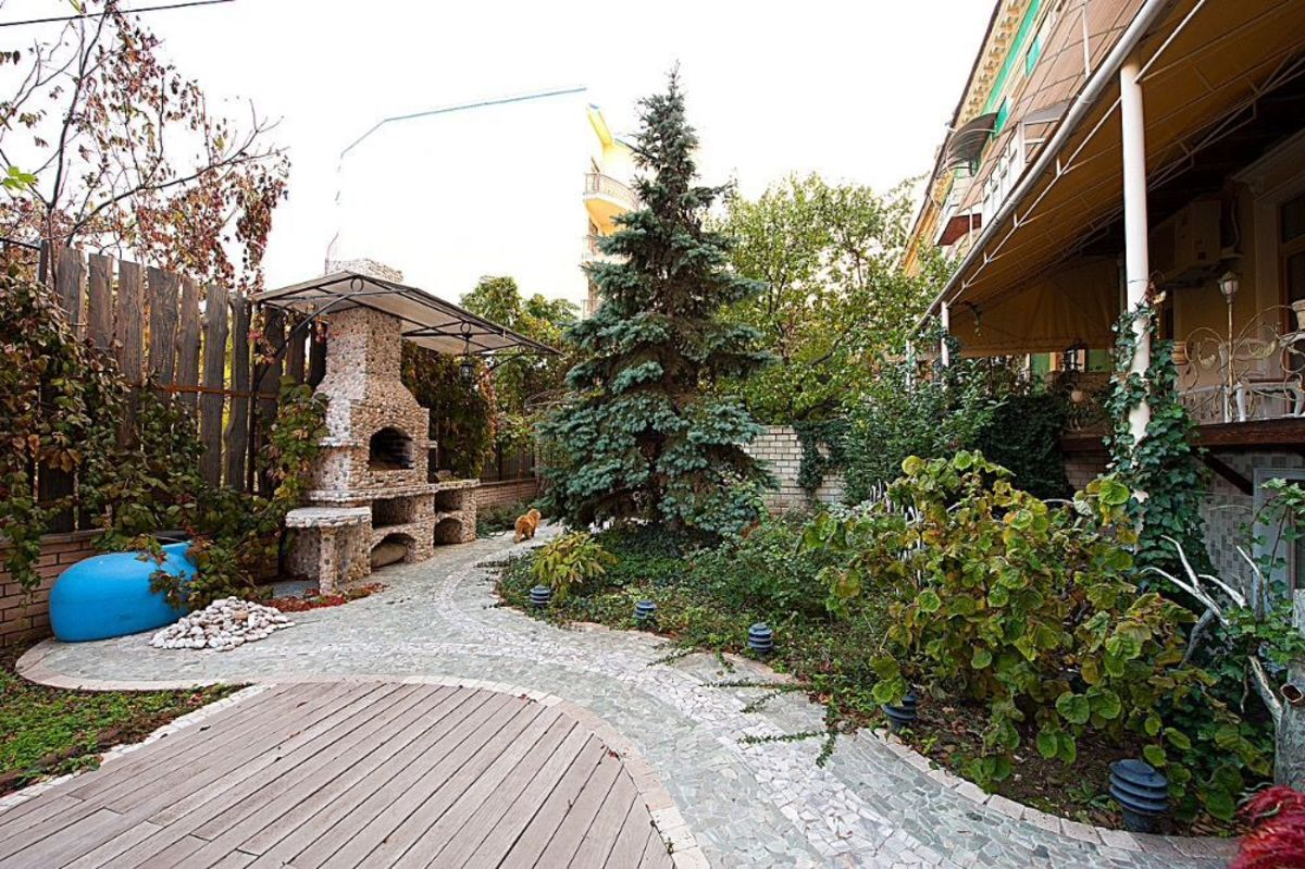 6 комнатная квартира в центре на Гоголя