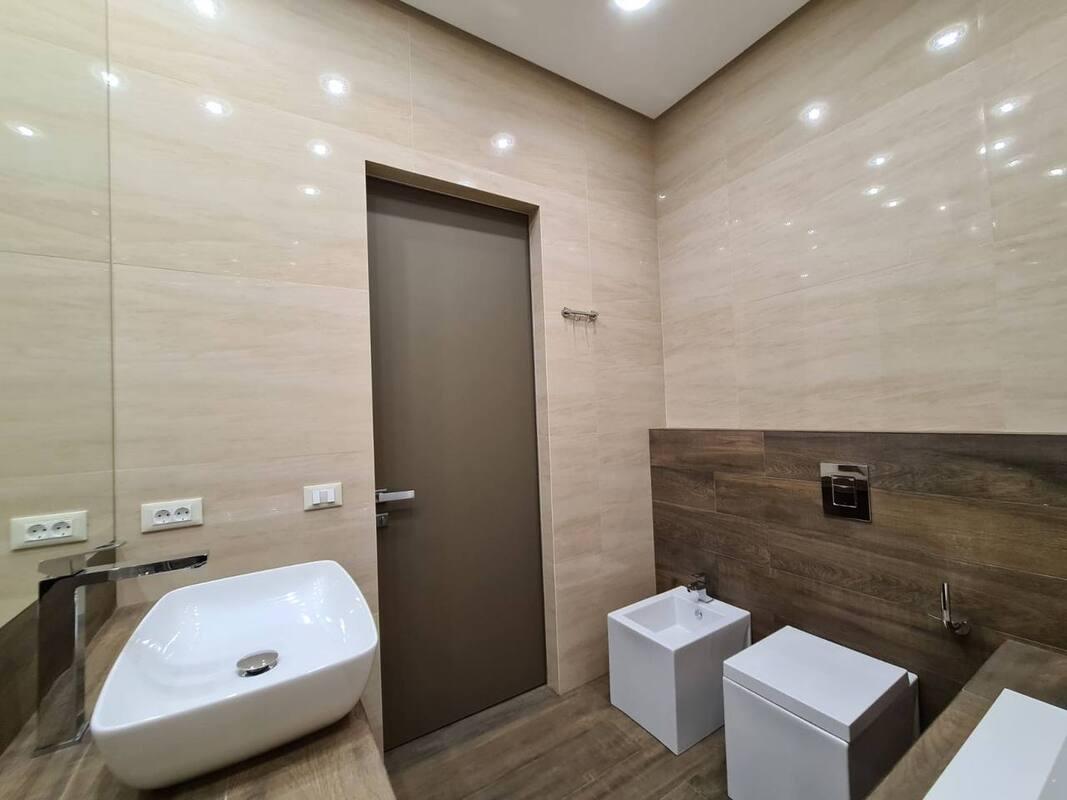 3 комнатная квартира с видом моря в ЖК Каркашадзе