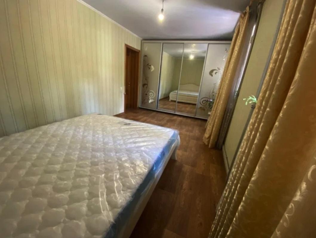 3-комнатная квартира в районе первой заставы
