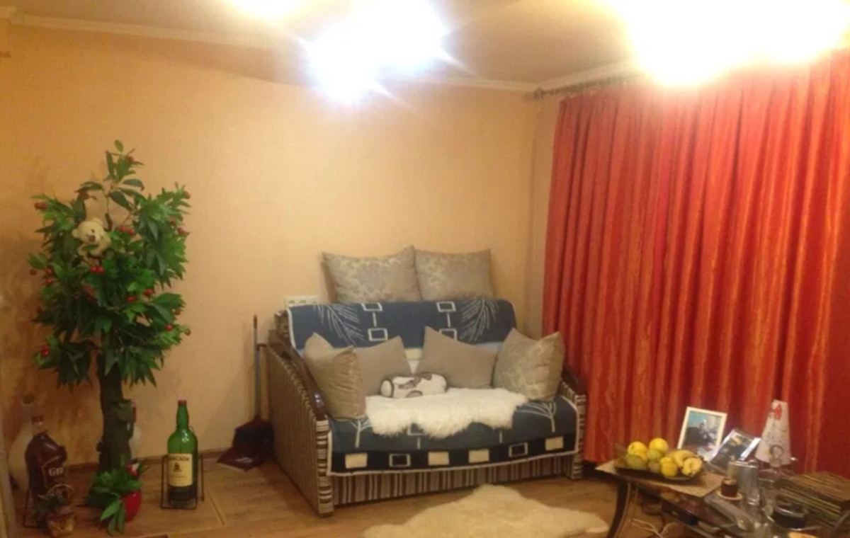 3 комнатная квартира с ремонтом на Генера Петрова