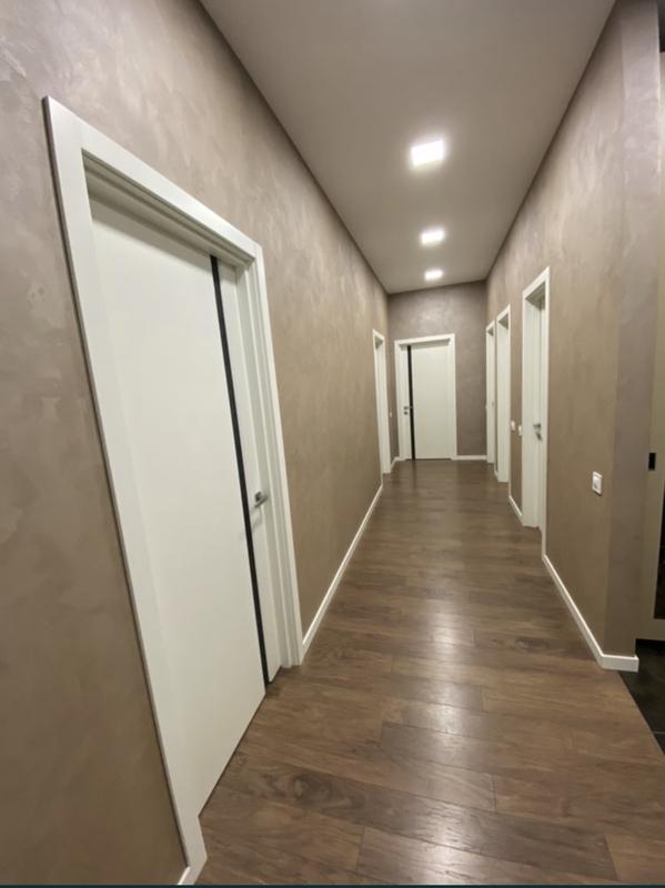 3 комнатная квартира с ремонтом в ЖК Гринвуд