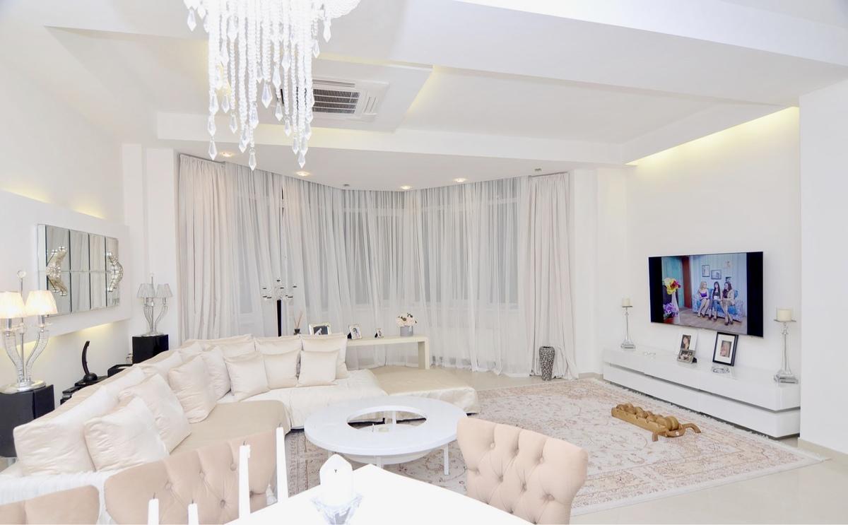3 комнатная квартира с ремонтом на проспекте Шевченко
