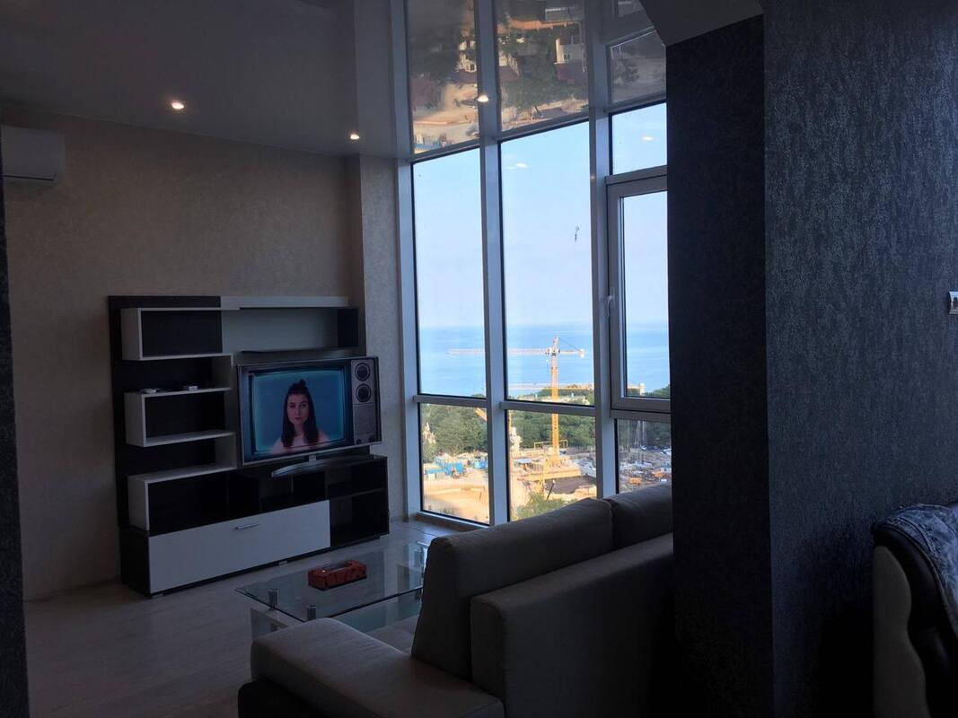 1 комнатная квартира-студия на Генуэзской