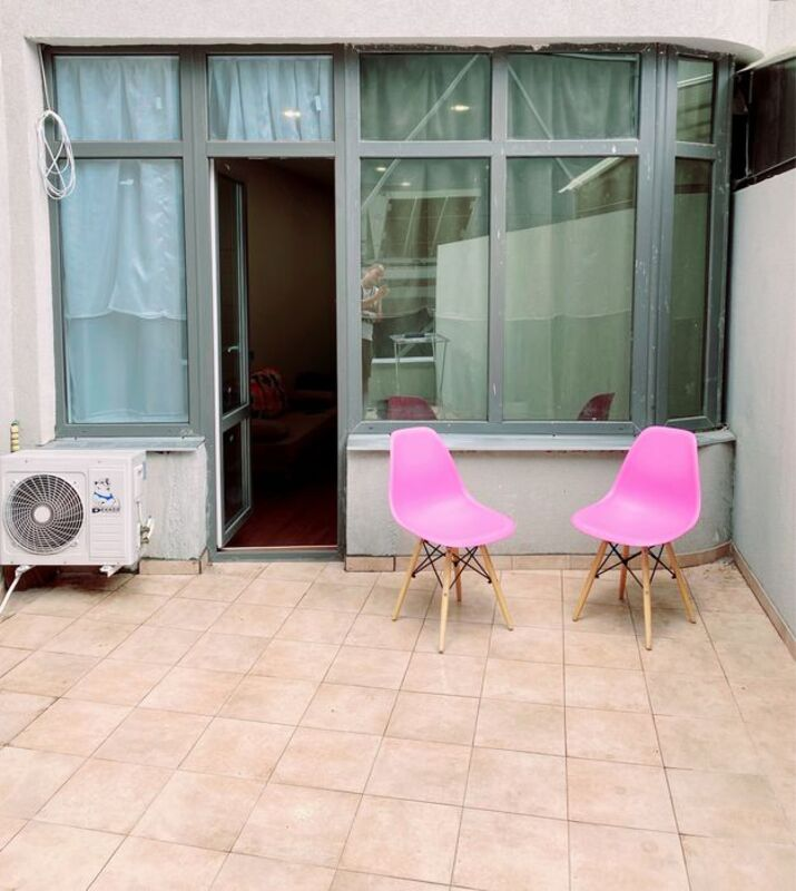 Квартира с ремонтом возле Аркадийской Аллеи с большой террасой