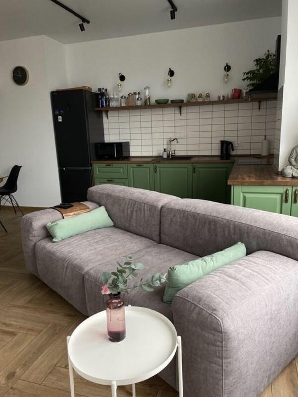 3 комнатная квартира с ремонтом в ЖК Пальмира