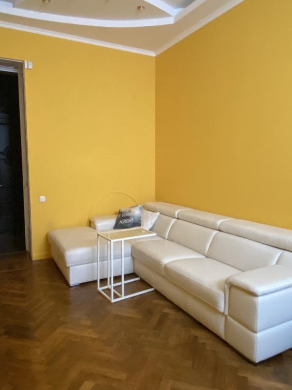 4х комнатная квартира возле украинского театра