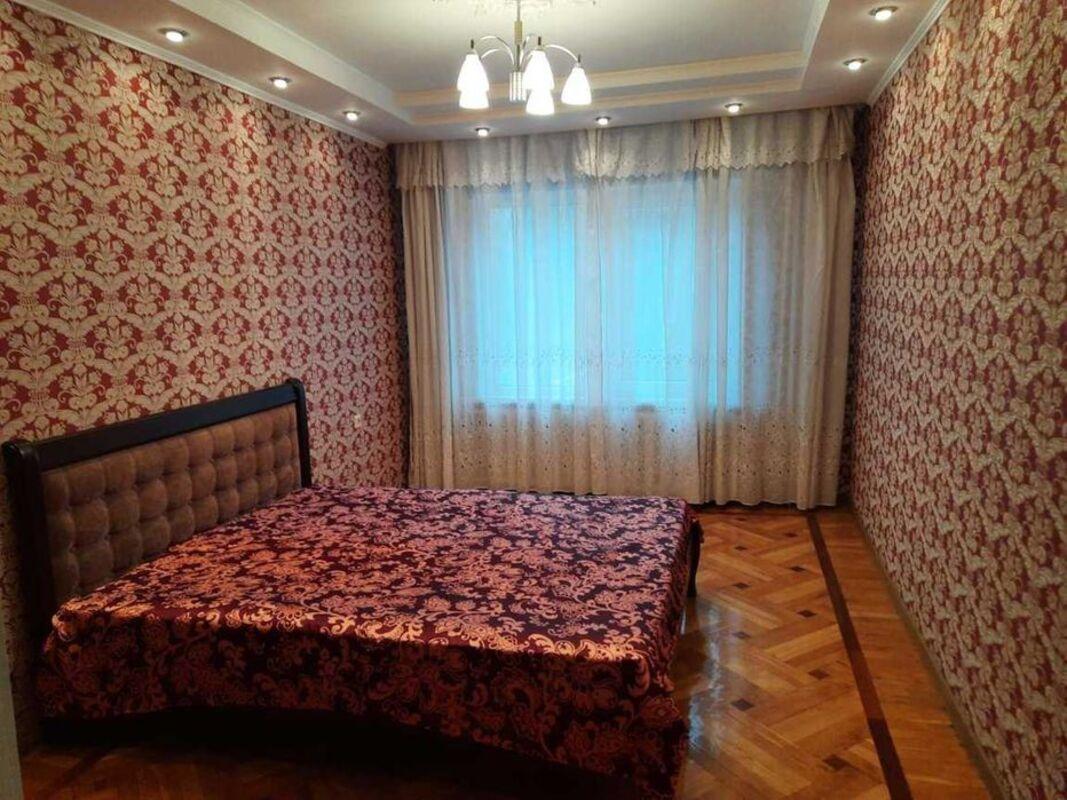 4 комнатная квартира в Экономическом переулке