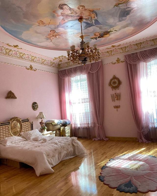 Квартира в центре в стиле барокко на Екатериненской