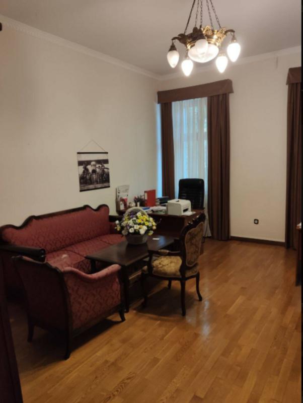 4-комнатная квартира в центре города
