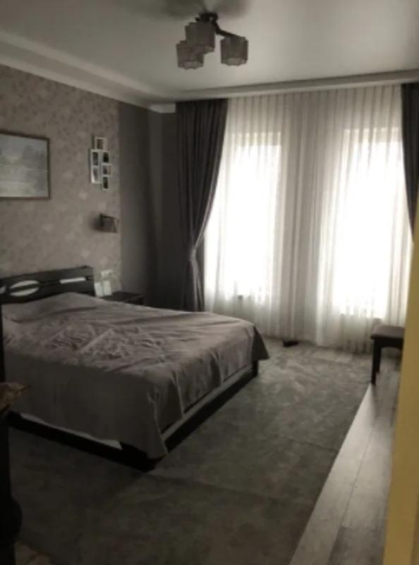 4 комнатная квартира в клубном доме 23 Жемчужине