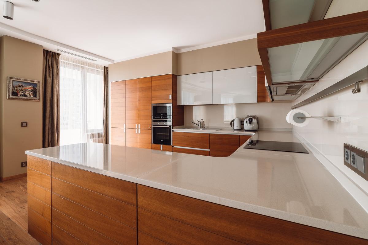 4-комнатная квартира с панорамным видом моря в ЖК Белый Парус