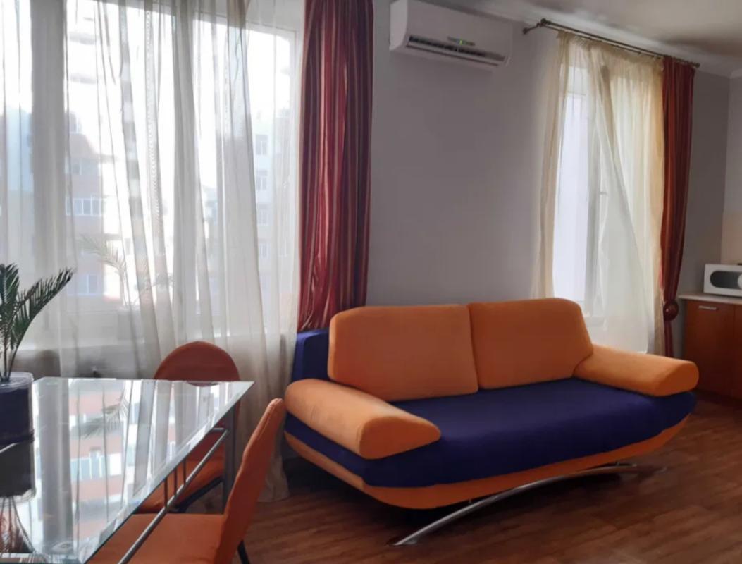 2 комнатная квартира с ремонтом на Педагогической